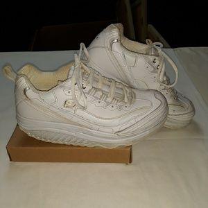 Sketchers Shape Ups Fitness Shoes, size 8